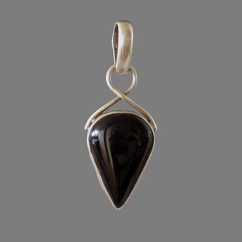 Pendant (silver and black onyx)